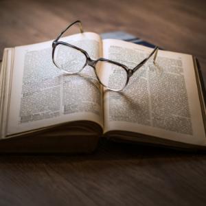 11 位外国作家的推荐书单:2019 年不容错过的 11 本好书
