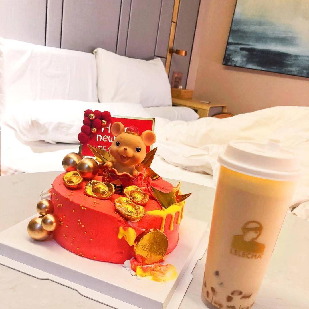 在上海等待日出:一个武汉姑娘的隔离日记丨特别报道