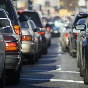 最前线 | 新能源汽车补贴政策延长两年,蔚来、宁德时代等相关公司或迎利好