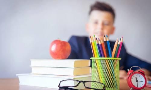 """开学季迎来投保高峰 """"学平险""""亟需规范经营行为"""