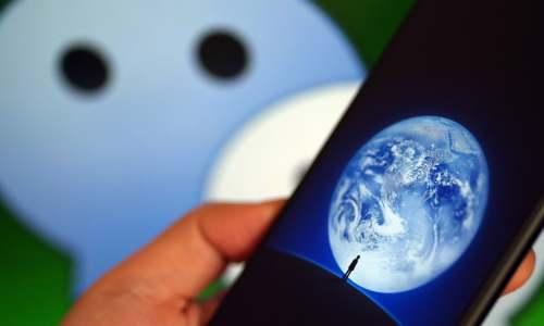 【虎嗅早报】微信朋友圈终于能发15秒视频了;《千与千寻》确认引进中国内地