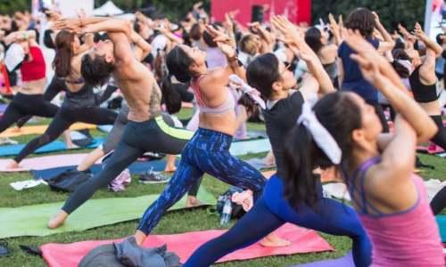 """靠瑜伽服""""打败""""Nike的Lululemon,能否继续贩卖信仰"""