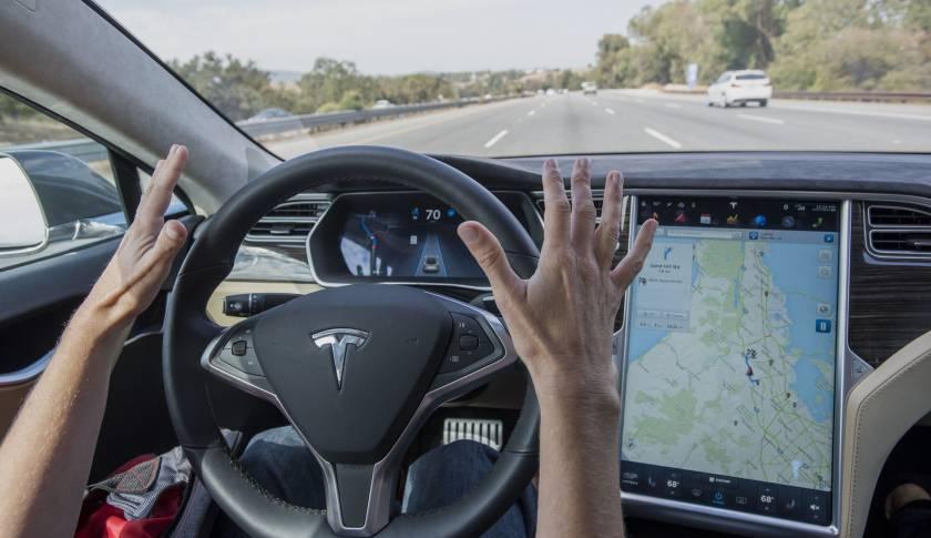 """特斯拉Autopilot系统升级,雷达得到""""重用"""",但马斯克表示不保证永远零事故"""