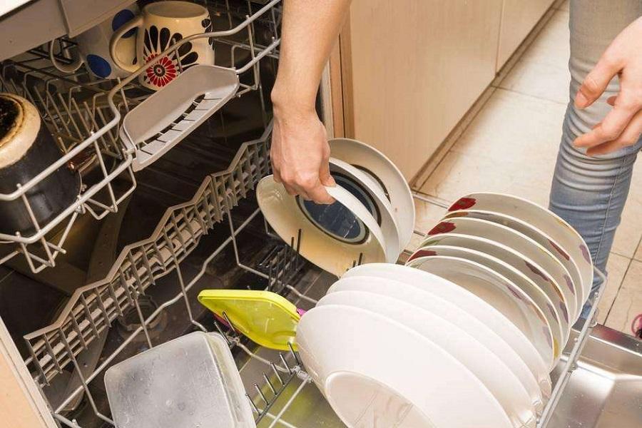洗碗机成为厨电市场新宠,谁将成为下一个巨头?