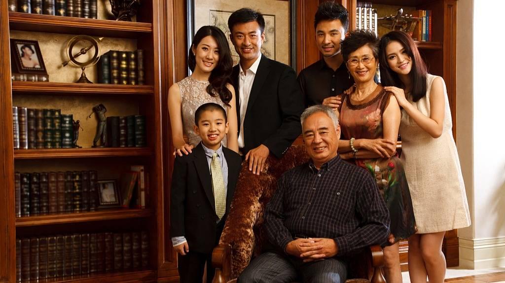 破解家族企业传承与治理之谜