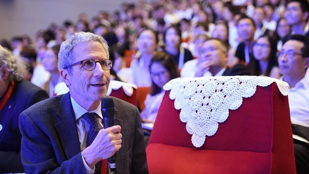 诺贝尔经济学奖得主:中国需要自己的基础研究