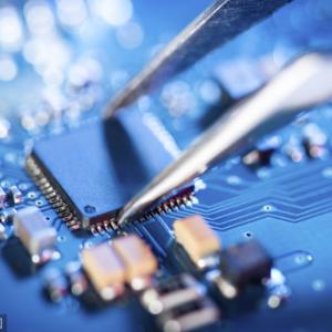 共识、追赶、重新洗牌:我们该如何看待骁龙X55与今天的5G终端竞争?