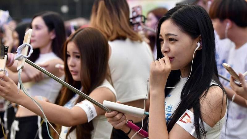 中国直播App最新排名:映客上位,腾讯拼了