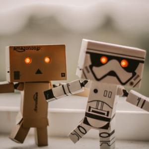 """利用""""情感操作系统""""实现人机交互,「小胖机器人」落地商用教育实现量产"""