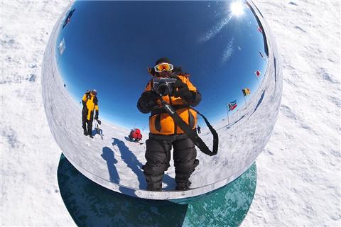 2016中国冰雪旅游人群洞察报告:80、90后一枝独秀