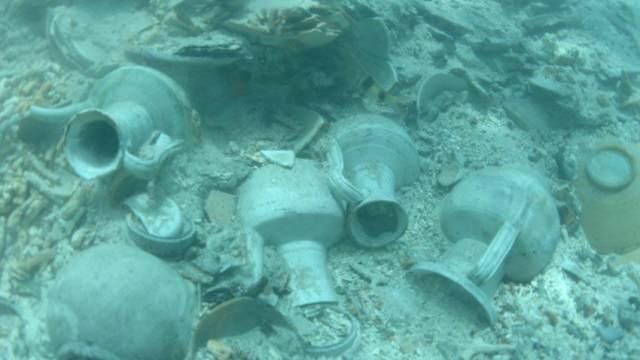 新加坡发现的两艘海底沉船现大量中国古瓷器