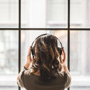 腾讯音乐新财报:营收57.4亿,全民K歌贡献超70%,用户商业价值挖掘有待提高