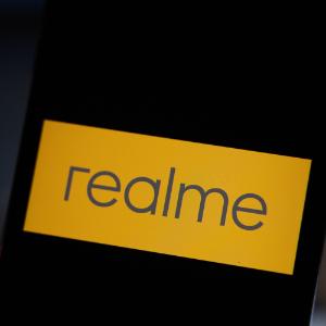 最前线 | realme发布高端旗舰,与小米10正面竞争