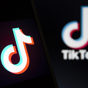 最前线 | 抖音TikTok 在美增速放缓,与Facebook的竞争还在继续