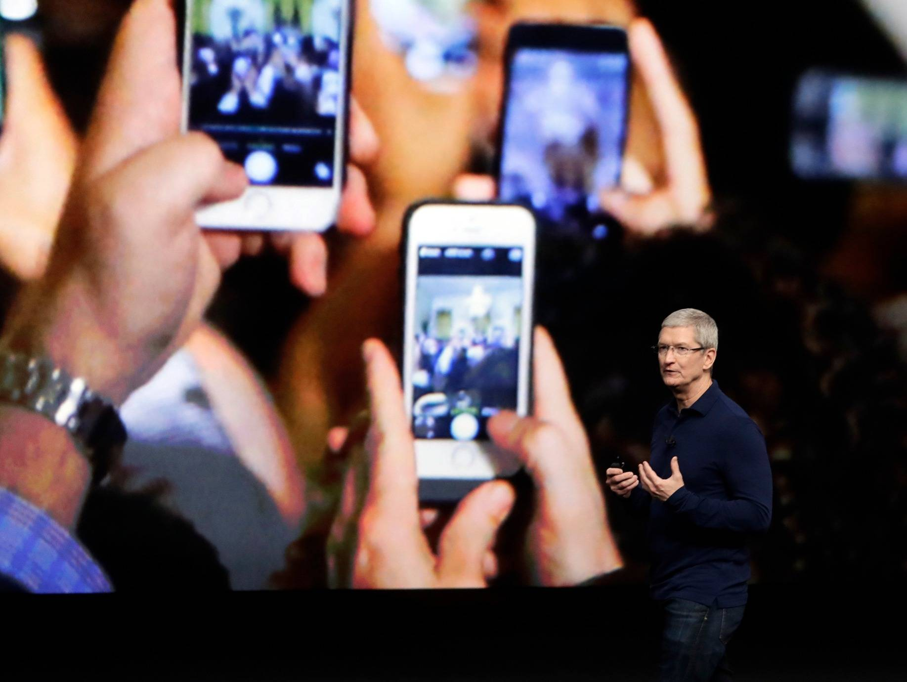 【早报】为庆祝iPhone十周年,苹果要发布三款新机?
