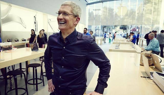 """库克谈他如何渡过乔布斯逝世之后""""火烤""""日子,找到自己与苹果的""""不同"""""""