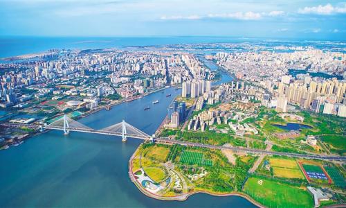 海南自贸港建设开局一周年:天高海阔开胜景