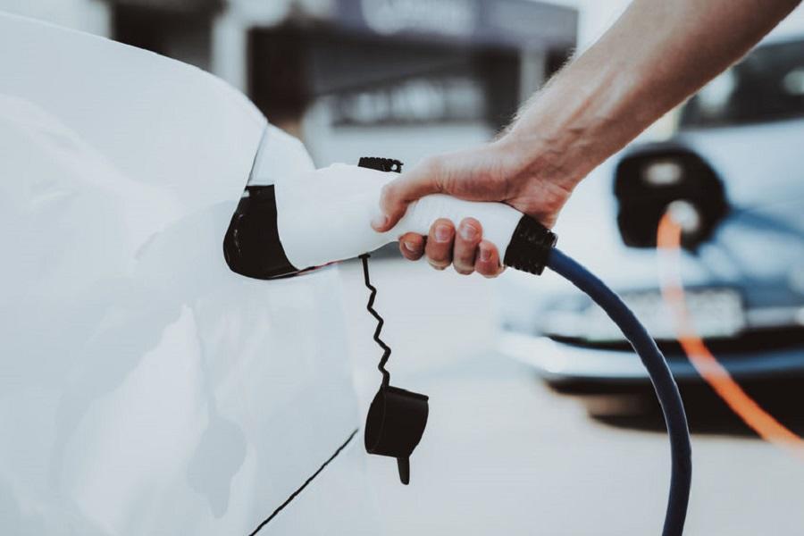 中国新能源汽车购置补贴和免征购置税政策延长2年