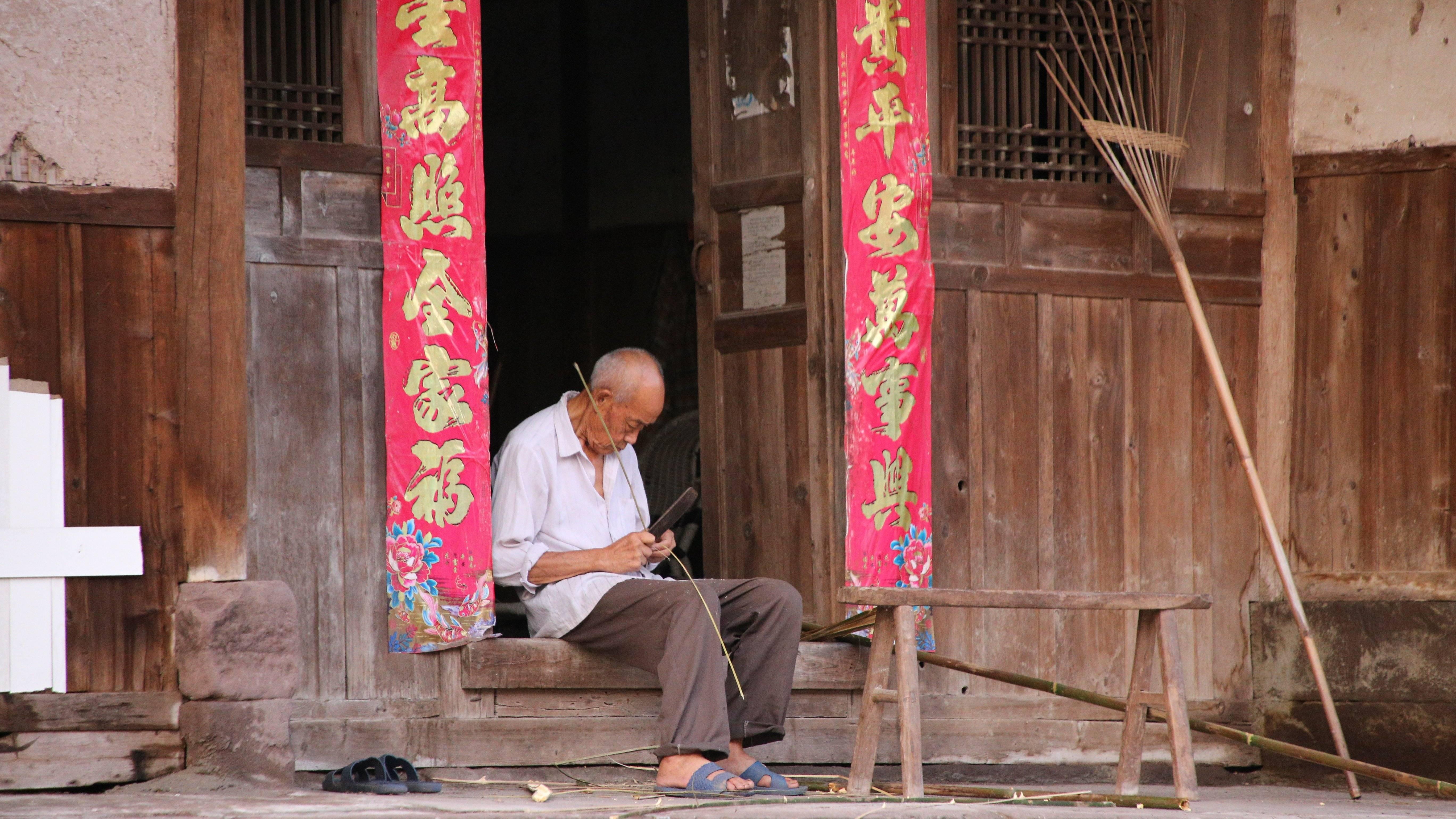 当下中国,为何农村文化不断出现诸多弊端?
