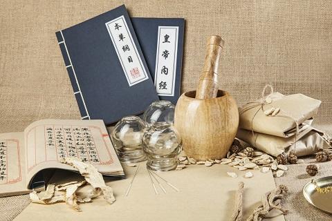 不止《中国的中医药白皮书》,近年扶持中医药发展的文件多达50份