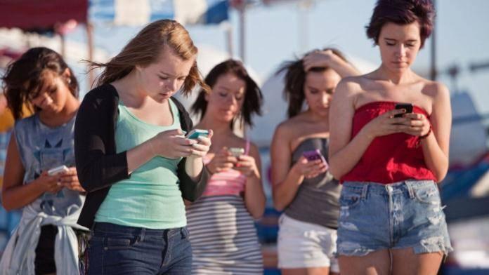 社交伪命题:去中心化与中心化