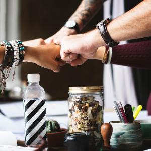 扩大企业、走向成功的秘诀是什么?